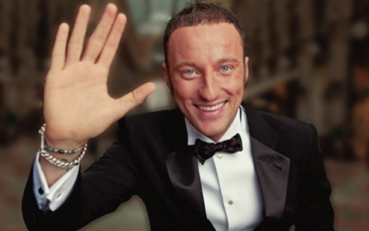 Berlusconi con un figlio gay sarebbe tipo Roby Facchinetti con un figlio stonatHO SBAGLIATO ESEMPIO.