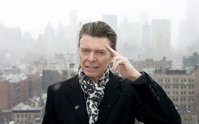 Sulla stella cadente che vedrò voglio che ci sia David Bowie di ritorno da Marte. O per lo meno, che cada sui TheGiornalisti