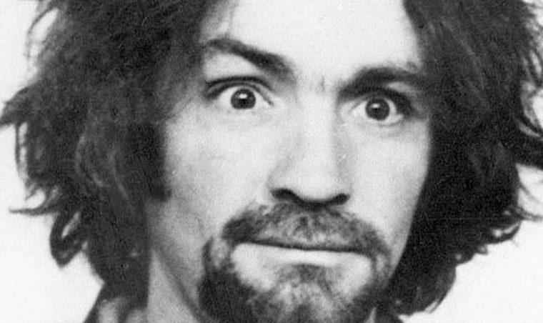 Gli omicidi di Charles Manson furono ispirati dai Beatles. Pensa se avesse ascoltato i Negramaro.