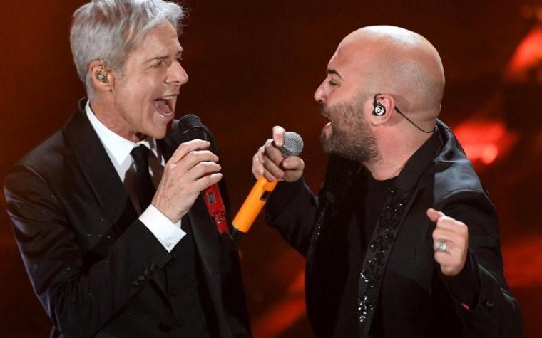 Boom di ascolti per Sanremo: 1 italiano su 2 davanti alla TV. L'altro sul palco a duettare con Claudio Baglioni.